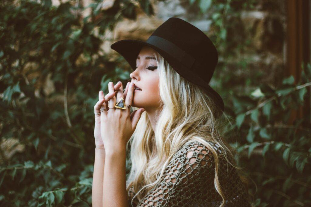regrets girl in hat